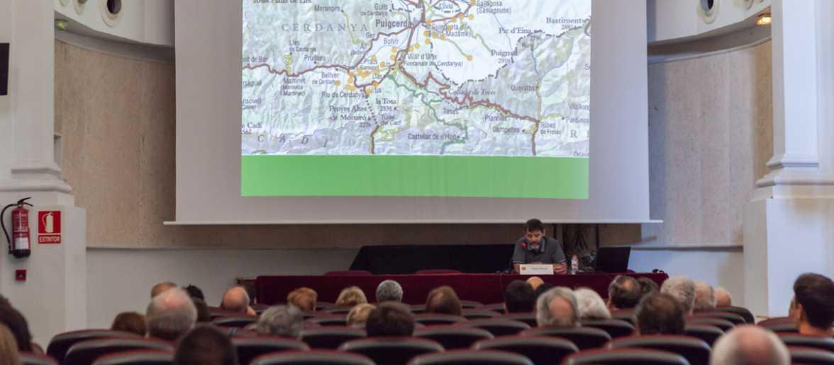 Carles Gascón durant la conferència de la Cataríada