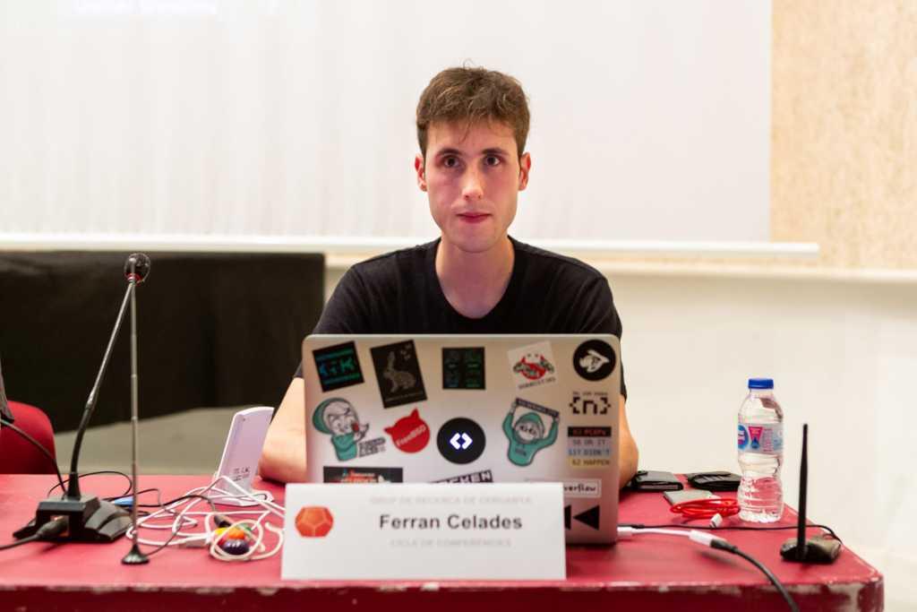 """Conferència """"Hacking 2.0"""" a càrrec de Ferran Celades"""
