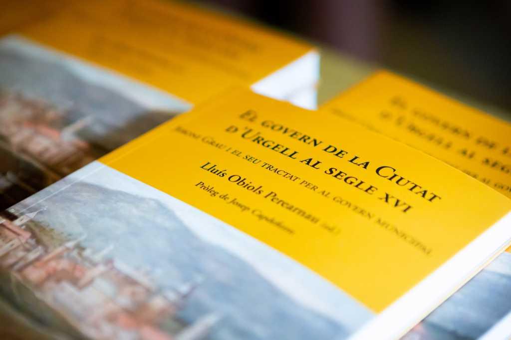 """Presentació del llibre """"El govern de la ciutat d'Urgell al segle XVI"""" a càrrec de Lluís Obiols"""