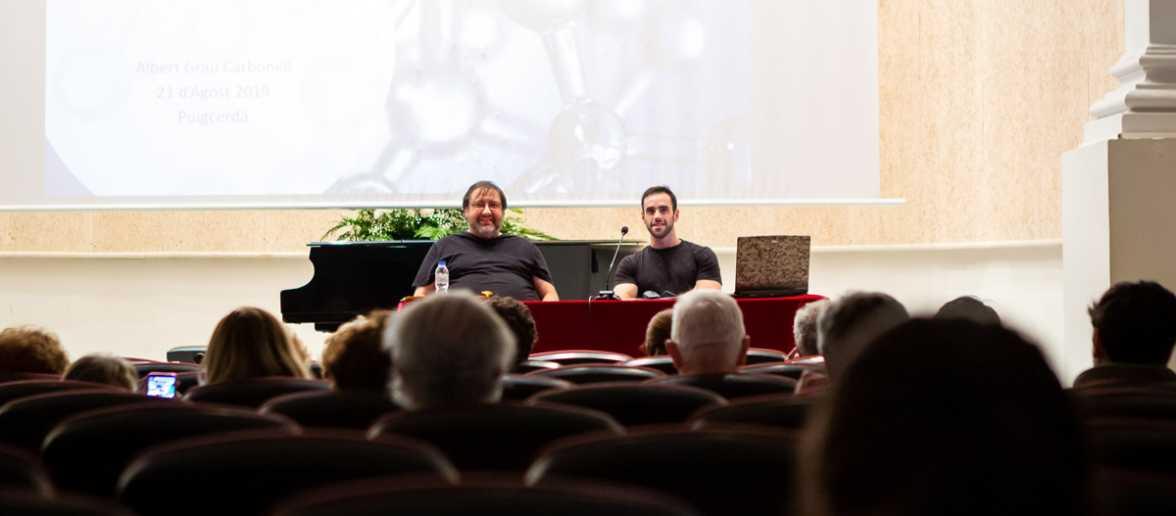"""Conferència """"Nanotecnologia: què és i com ens afecta"""" a càrrec d'Albert Grau"""