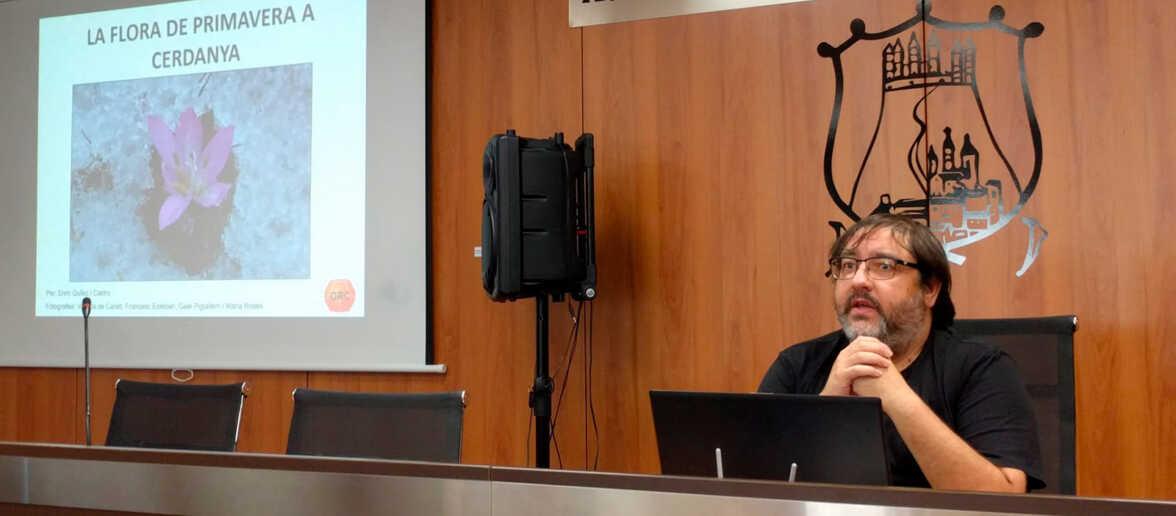 El ponent, Enric Quílez, durant la conferència